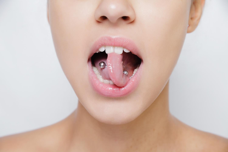 舌ピアス(センタータン)